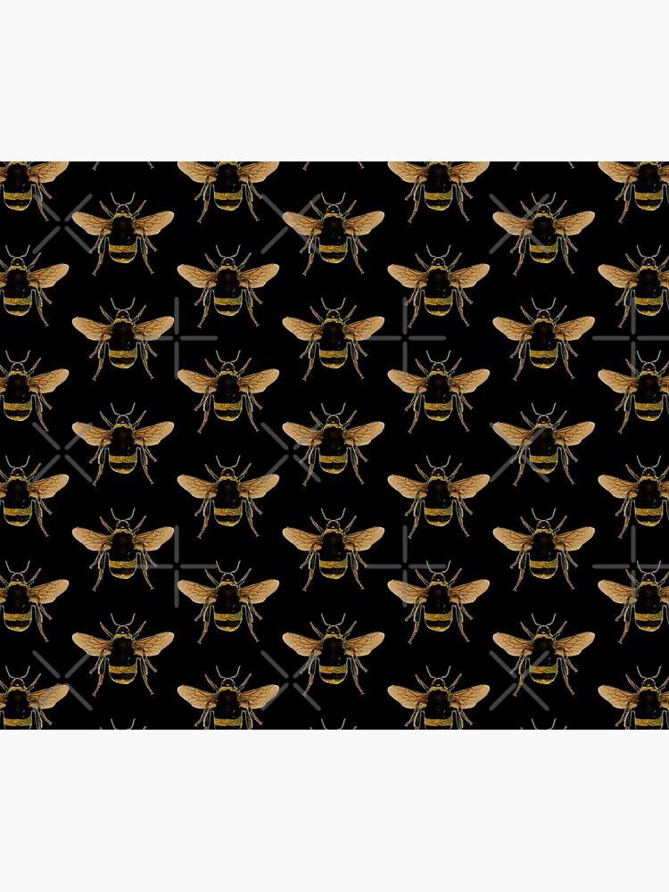 Bumble Bee by Salocin