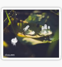 Water drops on a leaf- Wandering forest 2 Sticker
