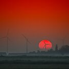 The morning red sun by THHoang