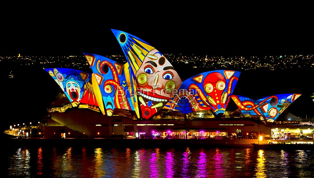 Clown Sails - Sydney Vivid Festival - Sydney Opera House by Bryan Freeman
