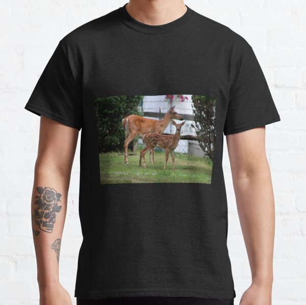 Deer: Doe and Fawn Classic T-Shirt
