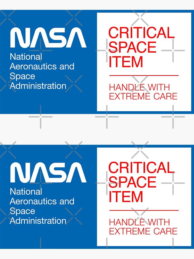 «NASA - Objet spatial critique (bleu» par ynnej