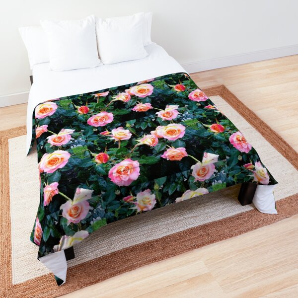 PERFECTLY PINK ROSES  Comforter