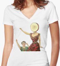Camiseta entallada de cuello en V Hotel de leche neutra