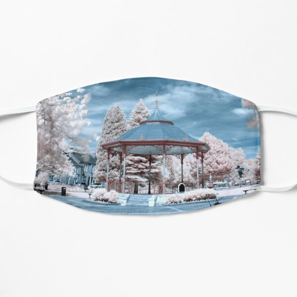 Bandstand Blues Small Mask