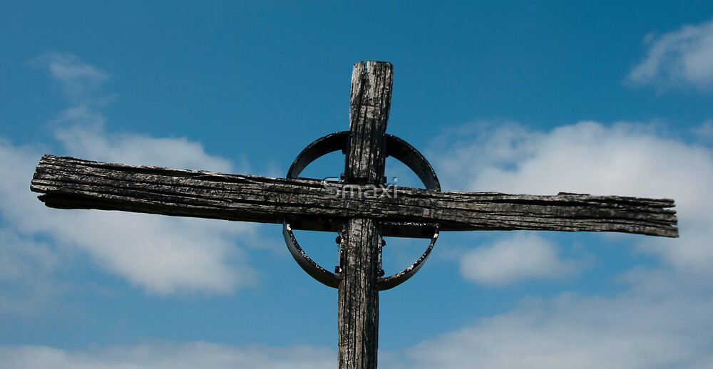 Cross by Smaxi