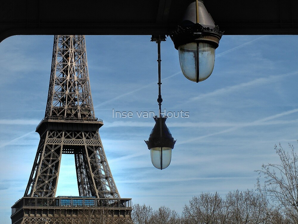 the eiffel tower from an other perspective by Inse van Houts