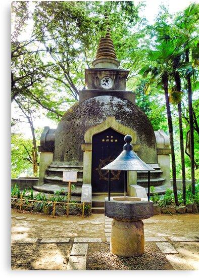 Great Buddhist Pagoda by Robert Meyers-Lussier