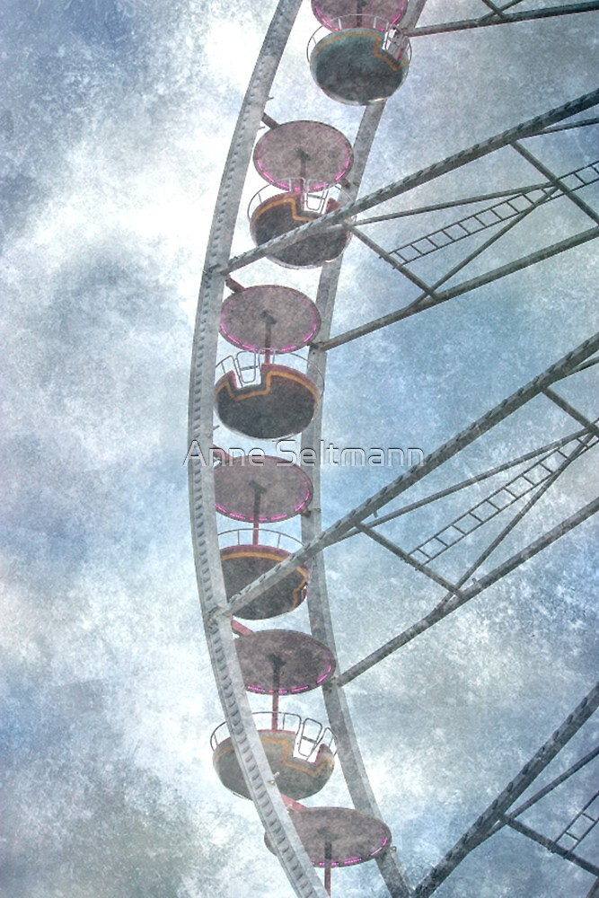 Circles in the sky Part II. by Anne Seltmann