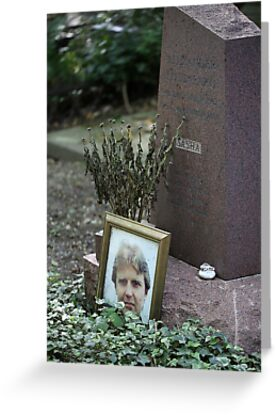 Alexander Sasha Litvinenko at Highgate West Cemetery by renprovo