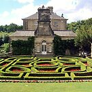 Pollok House and its formal garden by biddumy