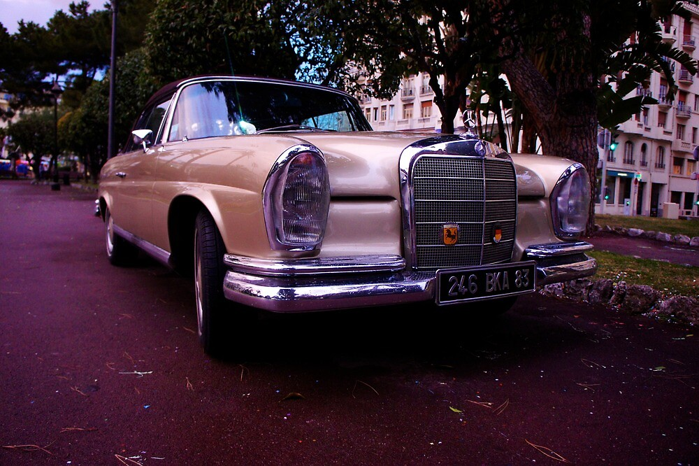 Classic Mercedes parked in Nice by PlanetFranck