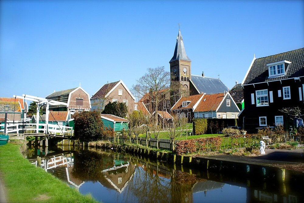 Peace and quiet in Marken by PlanetFranck