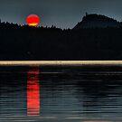 Moonset over Mayne Island by toby snelgrove  IPA
