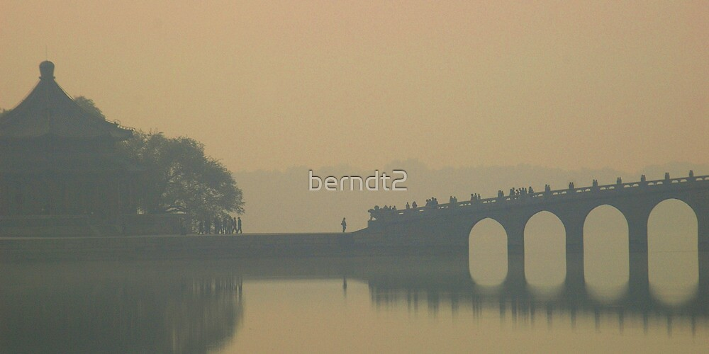 Stand Apart by berndt2