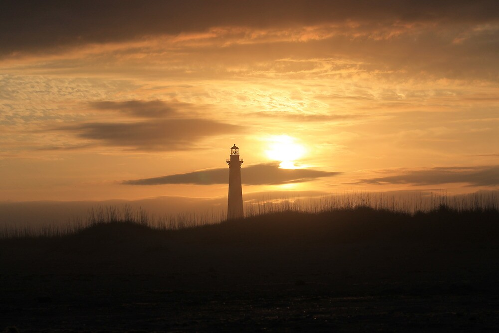 Lighthouse in Buxton of Hatteras Island by trdsigns