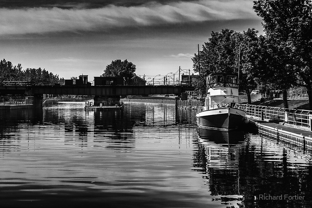Waiting by the lock by Richard Fortier