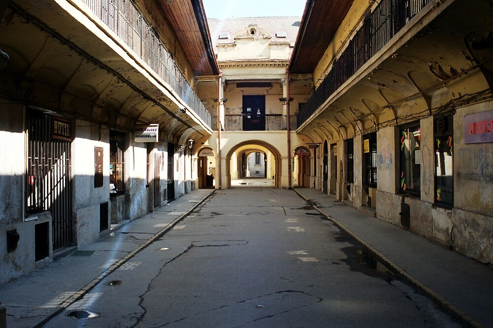 old court by verivela