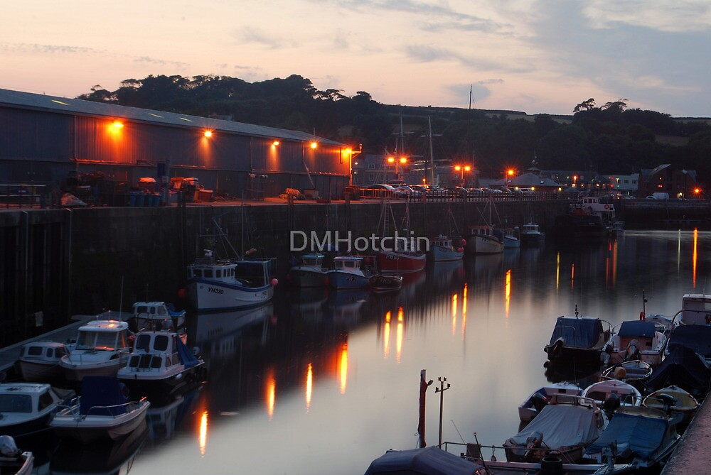 Padstow Harbour at Night by DMHotchin