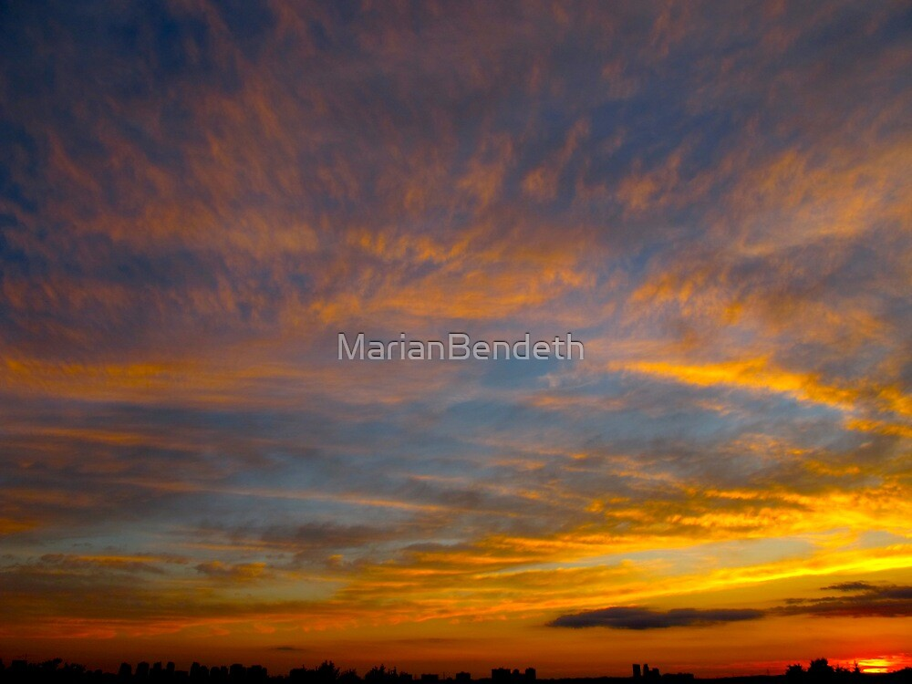 Whip-round sky by MarianBendeth