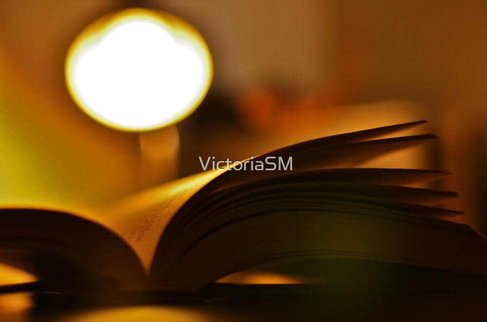Light Reading by VictoriaSM