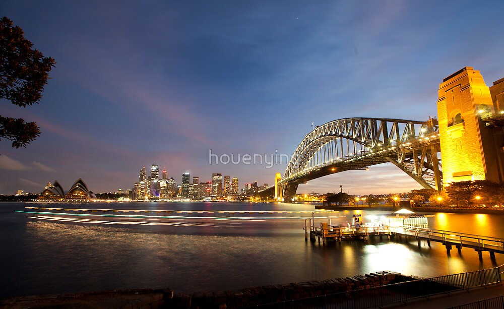 the sydney harbour bridge by houenying