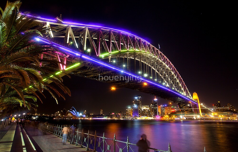 the colour bridge by houenying