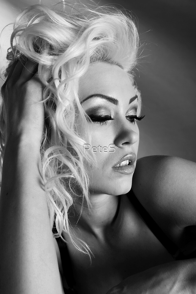 A touch of Marilyn by PeteS