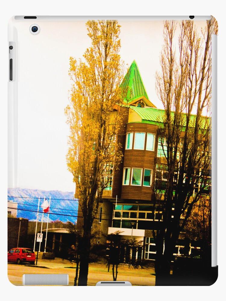 Building, yellow and green. by ALEJANDRA TRIANA MUÑOZ