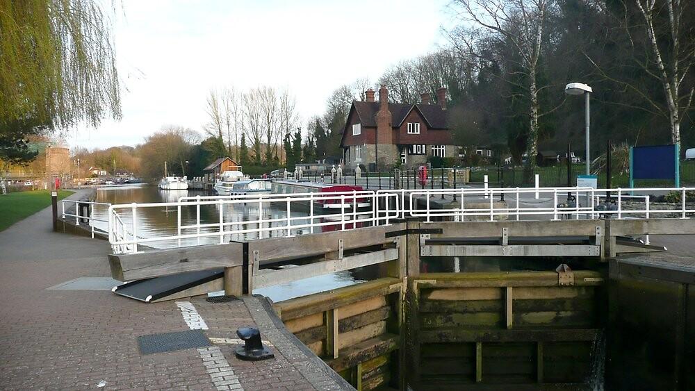 Allington Locks by John Stratford