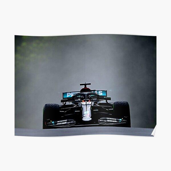 Lewis Hamilton fait un gros spray lors du Grand Prix de Hongrie 2020 Poster