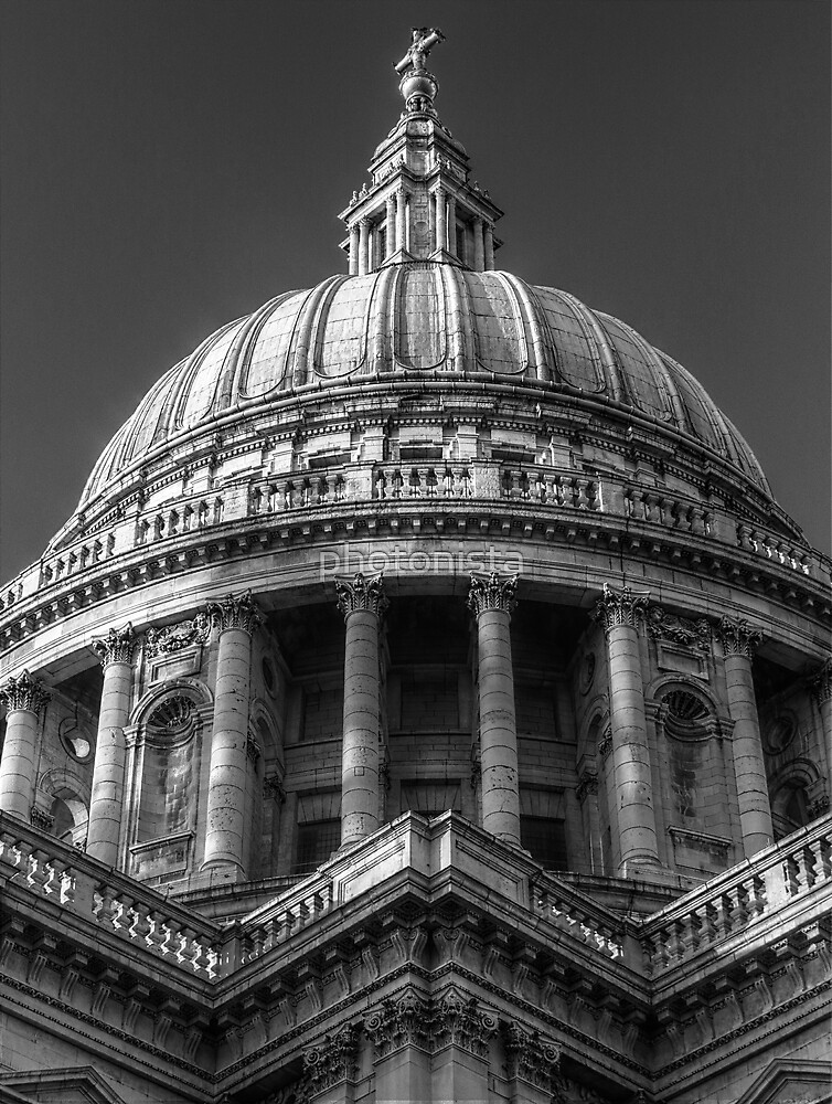 Saint Paul's Cathedral 1 B&W by photonista