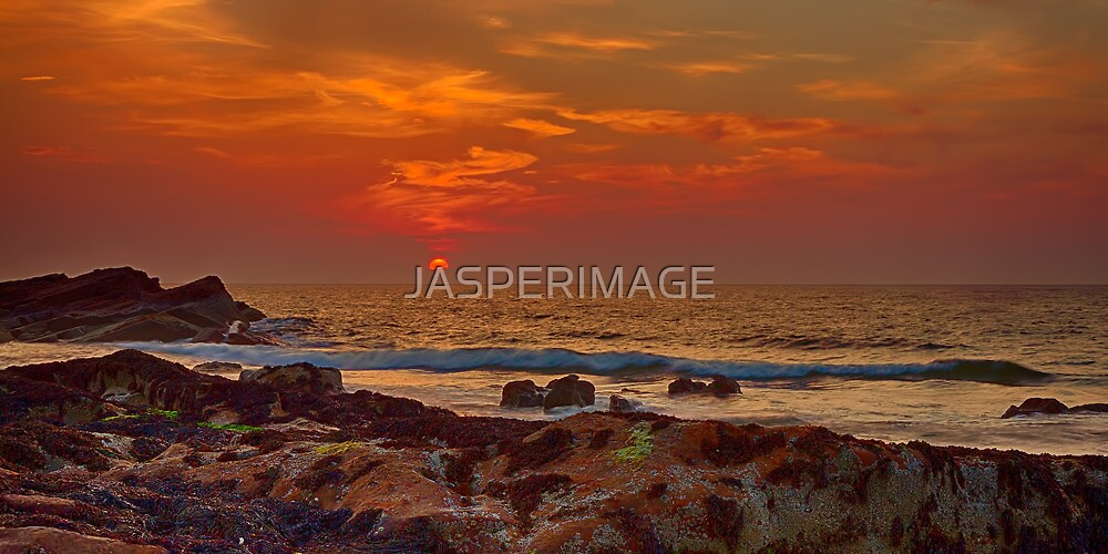HOPEMAN - SUNSET ON FULL MOON NIGHT by JASPERIMAGE