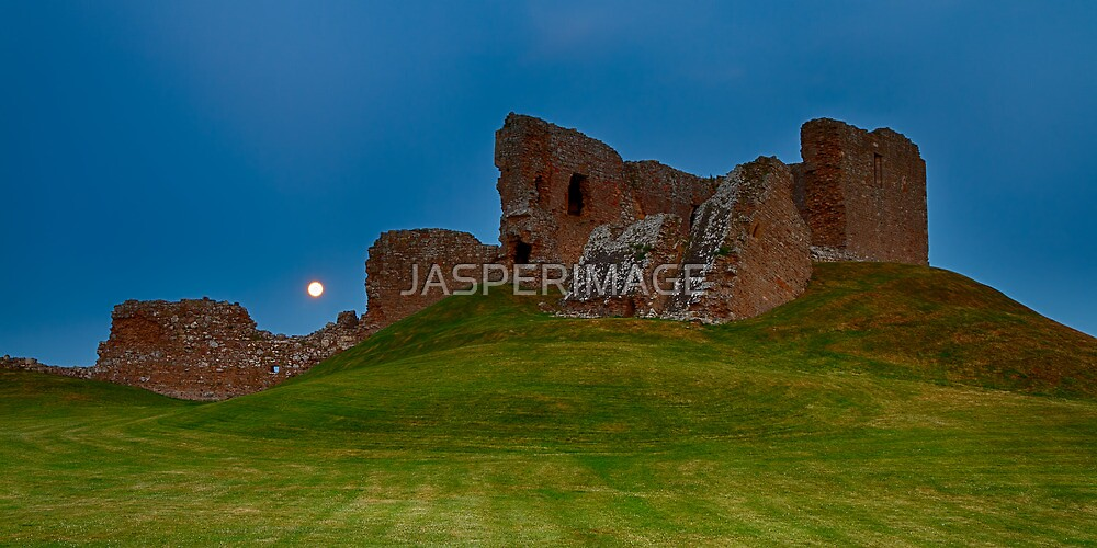 DUFFUS CASTLE FULL MOON PANO by JASPERIMAGE