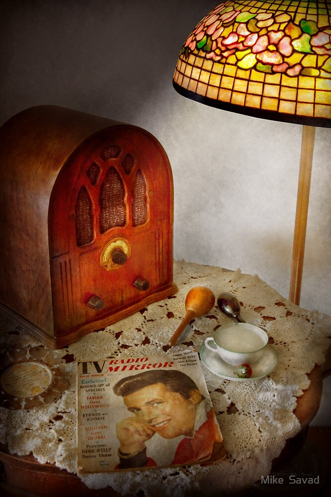 Vintage - What's on the radio tonight by Michael Savad