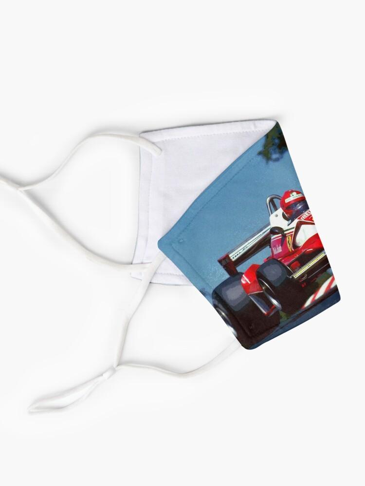 Masque ''Niki Lauda saute dans sa voiture de Formule 1 de 1976': autre vue