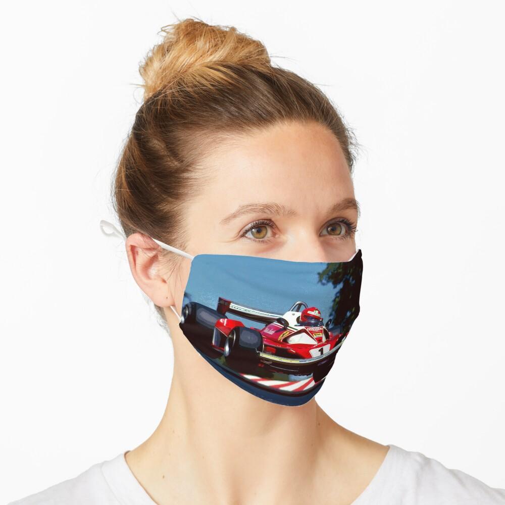 Masque «Niki Lauda saute dans sa voiture de Formule 1 de 1976»