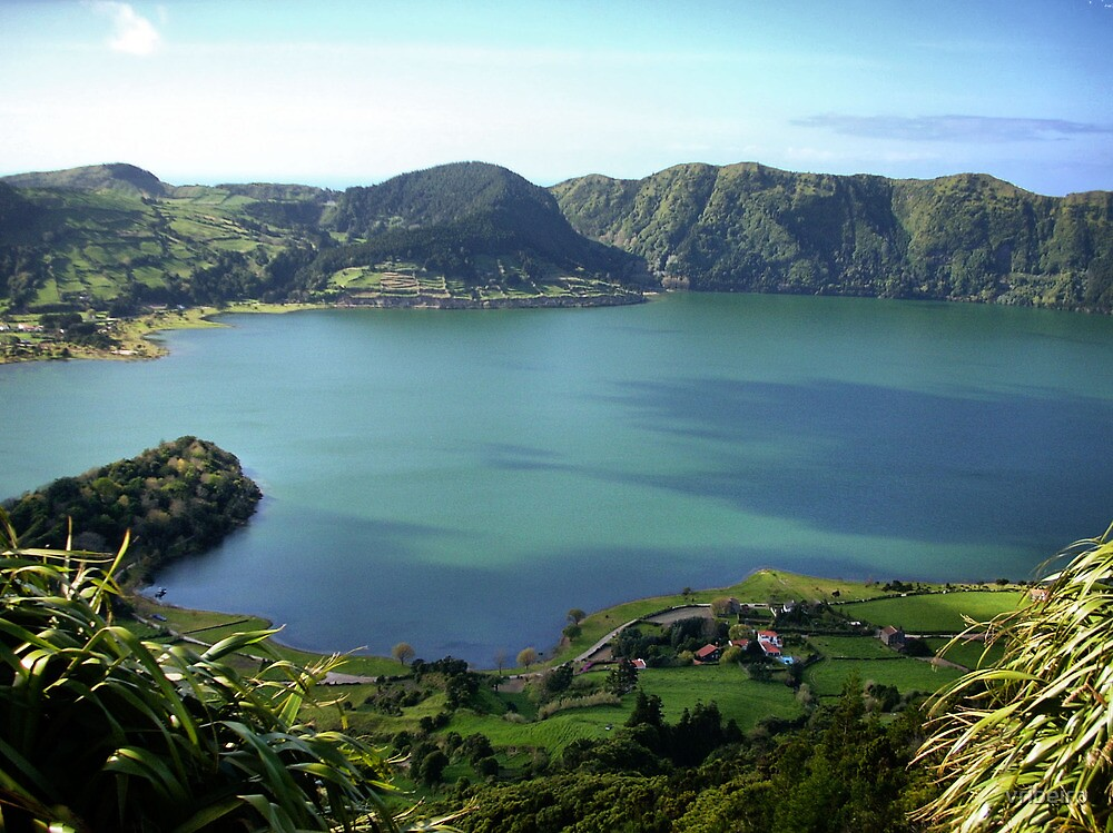 Sete Cidades Lagoon in S. Miguel, Azores by vribeiro