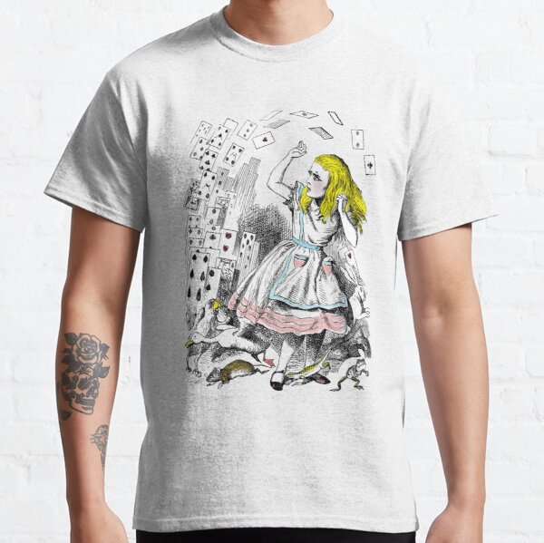 l'illustration originale en noir et blanc est de John Tenniel. J'ai ajouté une touche de couleur à la scène folle qui comprend une ménagerie de petites créatures aux pieds d'Alice T-shirt classique