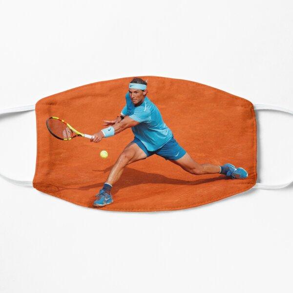 Rafael Nadal joue au tennis Masque sans plis