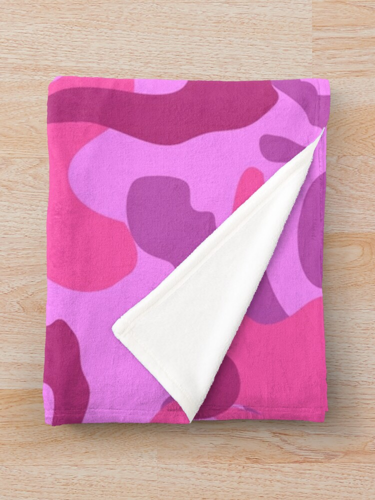 Alternate view of Camo Chic Fun and Girly Pink Pattern Throw Blanket
