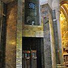 Inside the Rosary Basilica, Lourdes von Graham Taylor