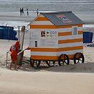 Beach Shelter - Duinbergen - Belgium by Gilberte