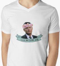 Dean Loves Pie Men's V-Neck T-Shirt