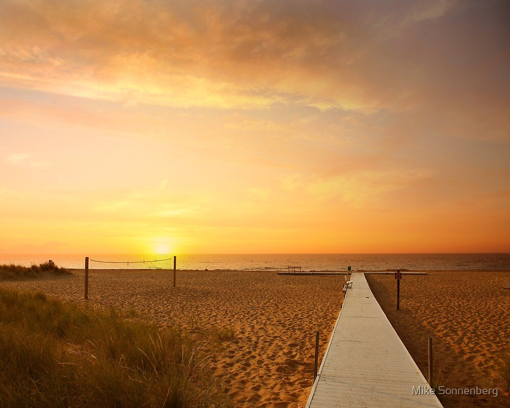 Tawas State Park Beach by Mike Sonnenberg