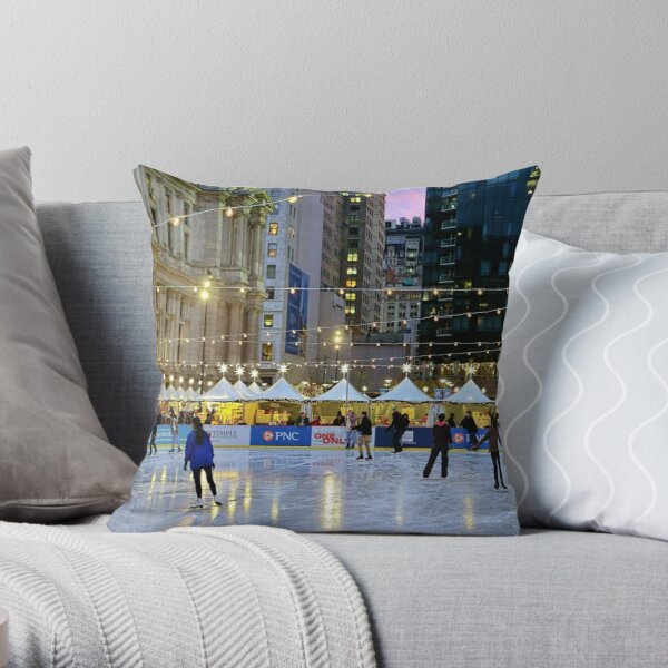 It's Christmas Time In The City  Throw Pillow