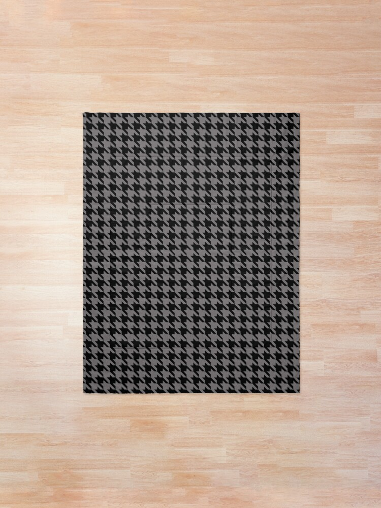 Alternate view of Houndstooth (gray) Comforter