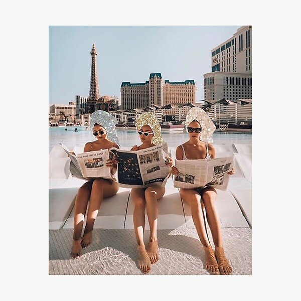 Fashion Vintage Aesthetic Girls Reading Newspapers Photographic Print