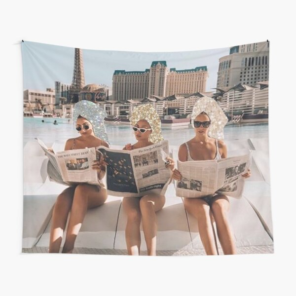 Fashion Vintage Aesthetic Girls Reading Newspapers Tapestry