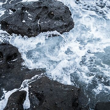 Waves in the Rock Pools by Laurakatec